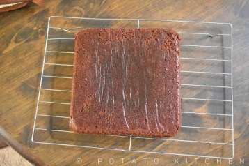 EGGLESS BROWNIE (12)